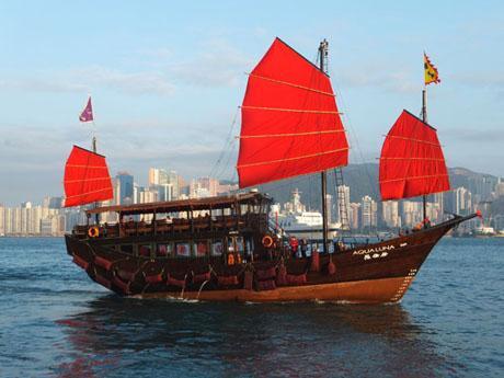junk ship harbour tours hong kong extras3