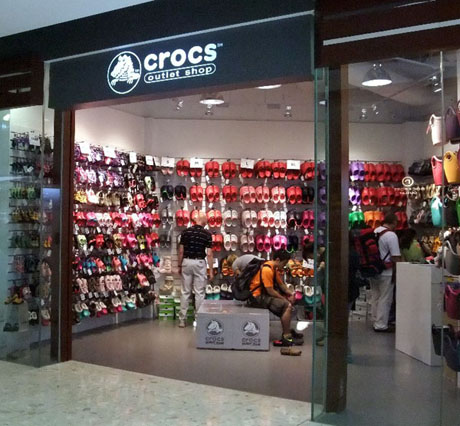 asic outlet store locations