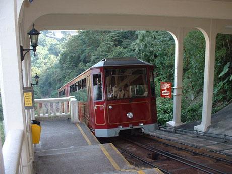 ผลการค้นหารูปภาพสำหรับ peak tram hong kong